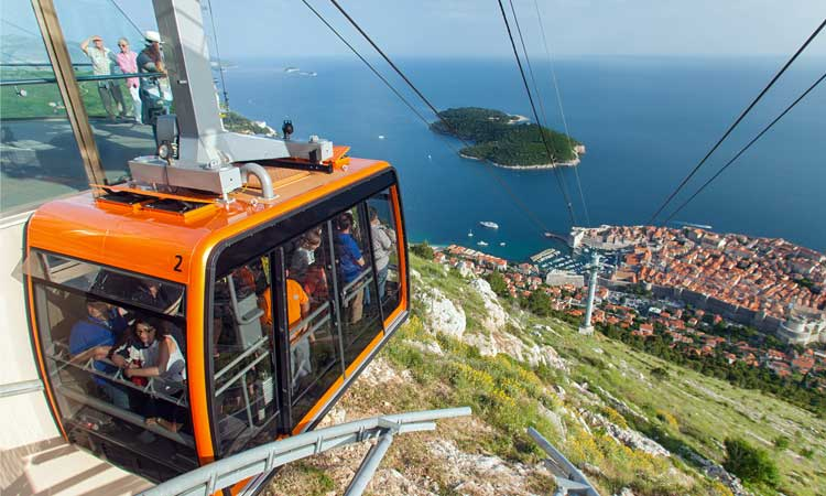 cable-car-dubrovnik-winter
