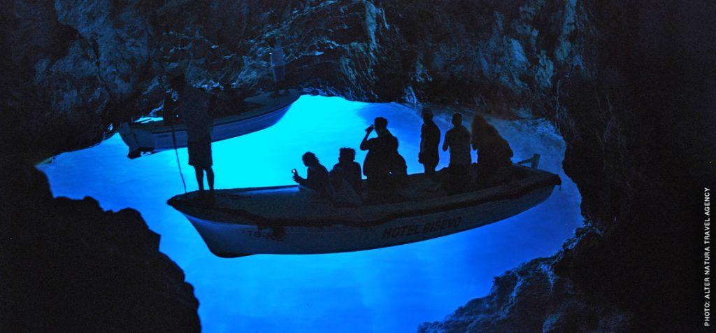 Blue_cave_Bisevo
