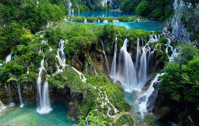 plitvice-lake-waterfalls